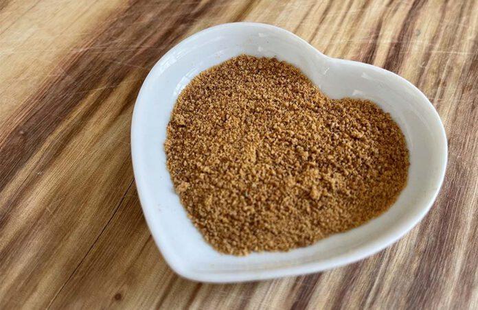 Kokosbloesemsuiker is minder bewerkt dan gewone suiker en bevat daardoor nog wat mineralen en vitamines. Maat echt gezond is het nog steeds niet. (Foto Erik van Huizen)