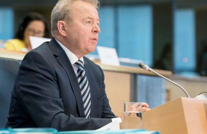 Ook landbouwcommissaris Janusz Wojciechowski is opgetogen. 'Een voedselsysteem kan niet duurzaam zijn zonder strenge dierenwelzijnsnormen. Dankzij de burgers zal de Commissie in dit opzicht nog ambitieuzer zijn en het gebruik van kooisystemen voor veehouderijen geleidelijk afschaffen. He burgerinitiatief bevestigt dat deze overgang ook beantwoordt aan de maatschappelijke vraag naar landbouwpraktijken die ethischer en duurzamer zijn.' (Foto Europees Parlement)