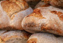 Als heel Nederland een week lang thuis geen voedsel verspilt, zoals brood, levert dat een besparing op van 11,5 miljoen kilo goed voedsel. (Foto Couleur via Pixabay)